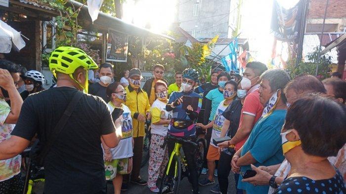 Gowes Keliling Kota Manado, Tetty Paruntu Dicegat Emak-Emak di Lorong Kampung Kakas
