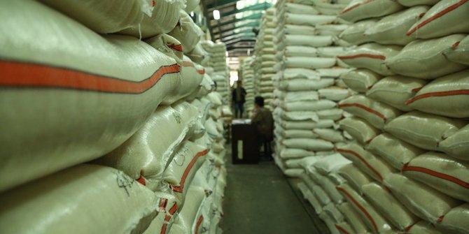 Bantu Petani Siak Agar Dapat Untung Lebih Saat Panen, Andi Rachman Borong 3 Ton Beras