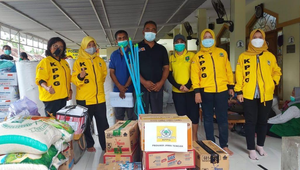 Padmasari Mestikajati Pimpin KPPG Jateng Berikan Bantuan Bagi Korban Banjir Meteseh dan Rowosari