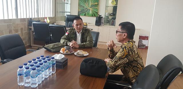 Jelang Musda Golkar Lampung, Ismet Roni Konsultasi Dengan Sekjen DPP Lodewijk Paulus
