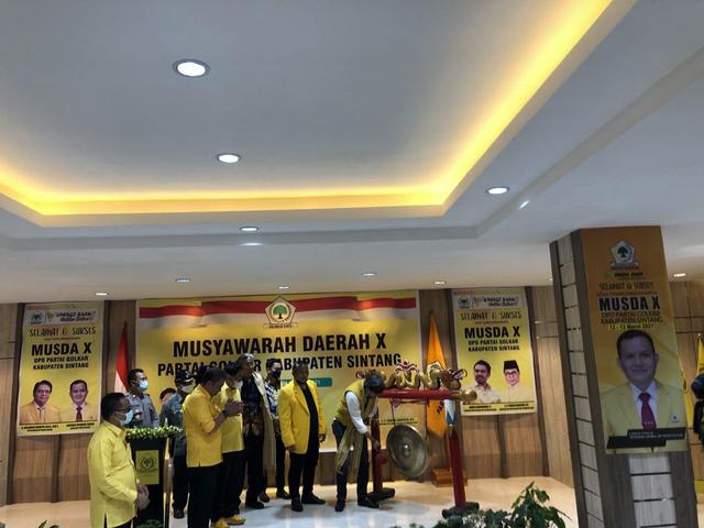 Anggota DPRD Kalbar, Usmandy Terpilih Aklamasi Pimpin Golkar Sintang