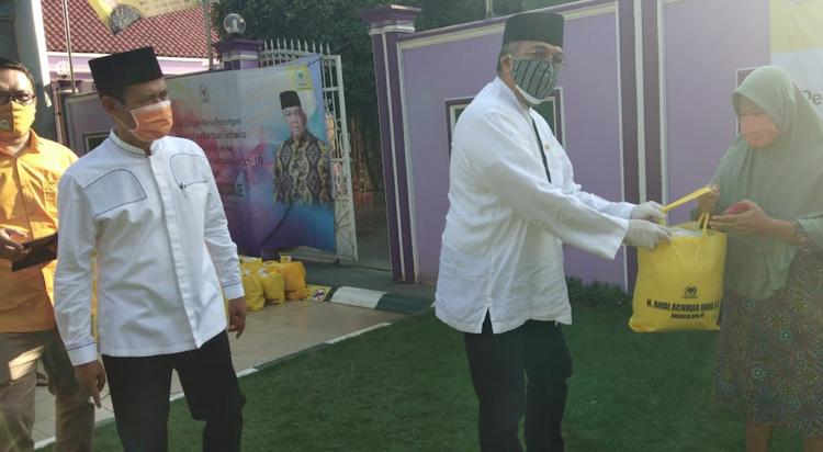 Andi Achmad Dara Bagikan 1000 Paket Sembako Untuk Warga Kabupaten Tangerang