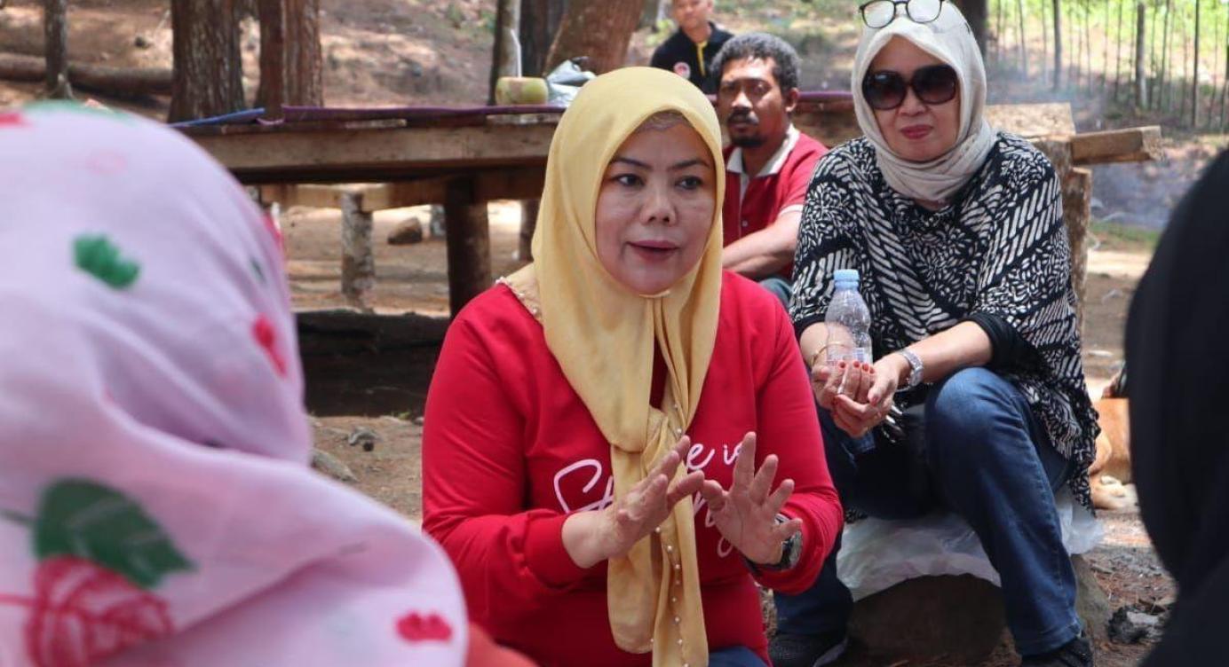 Idah Syahidah Pimpin IIPG Gorontalo Santuni Korban Banjir Kota Tengah dan Warga Terdampak COVID-19