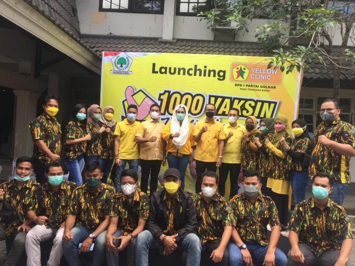 Resmikan Vaksinasi Massal di Lombok NTB, Sari Yuliati: Golkar Selalu Hadir Untuk Masyarakat