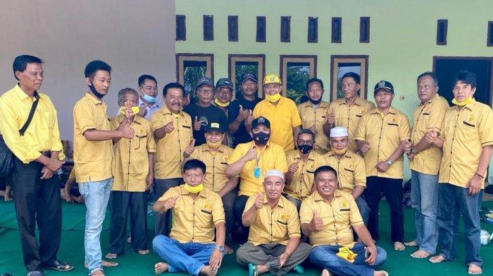 Pinto Jaya Negara Pimpin Ormas MKGR Jambi Serahkan Ribuan APD Untuk Puskesmas Merangin