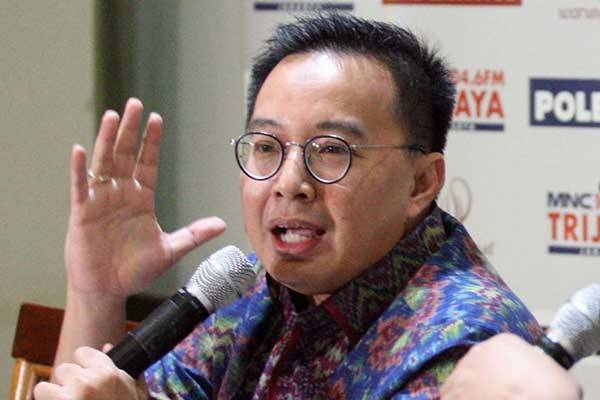 Tekan Harga dan Penuhi Kebutuhan, Bobby Rizaldi Dorong BUMN Produksi Masker Anti Virus Corona
