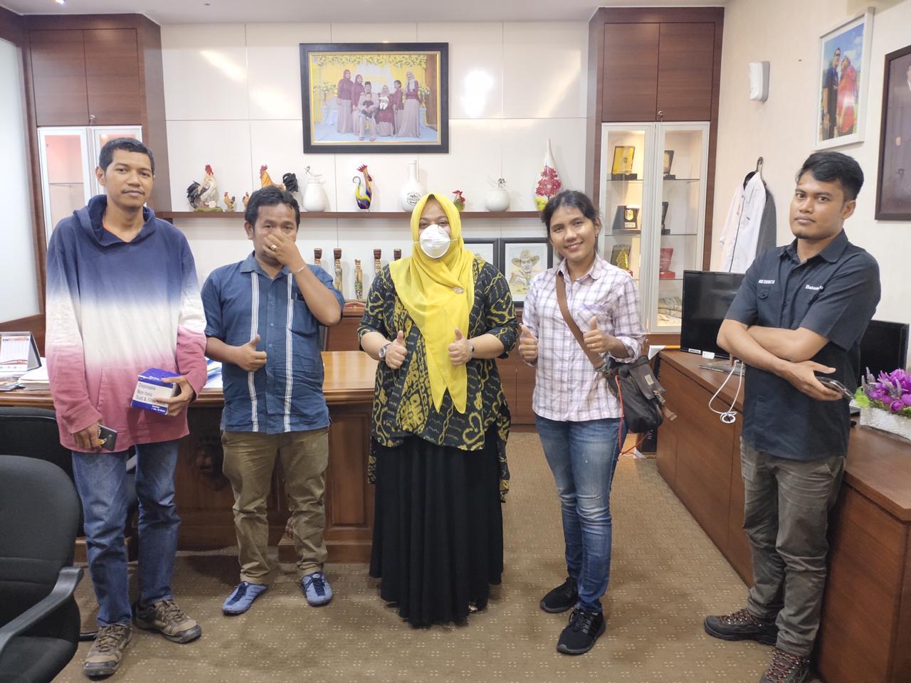 IIPG Batam Bagikan Ribuan Masker dan Hand Sanitizer Untuk Kelompok Pekerja Rentan