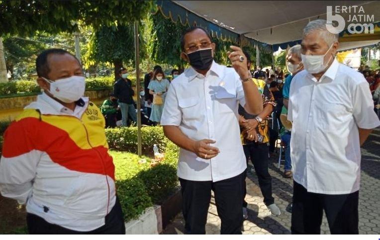 2.200 Masyarakat Ramaikan Program Vaksinasi COVID-19 Perdana Yang Digelar Golkar Jatim