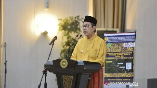 Sembuh Dari COVID-19, Gubernur Riau Syamsuar Lanjutkan Pemulihan di Rumah Dinas