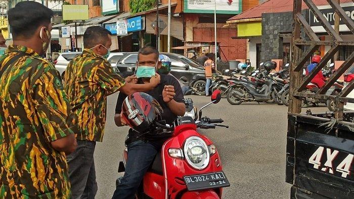 Cegah COVID-19, AMPG Aceh Bagikan Masker ke Para Pengguna Jalan