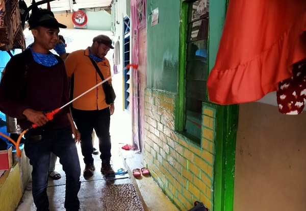 Siapkan Ribuan Liter Disinfektan, Golkar Milenial Kota Bekasi Semprot Margahayu dan Margajaya