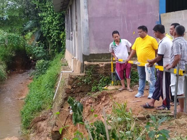 Roboh Diterjang Banjir, Golkar Kepri Bantu Bangun Jembatan Penghubung 3 Kampung di Kabil