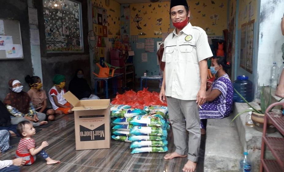 AMMDI Kepulauan Riau Bagikan Puluhan Paket Sembako di Batu Ampar Pulau Batam