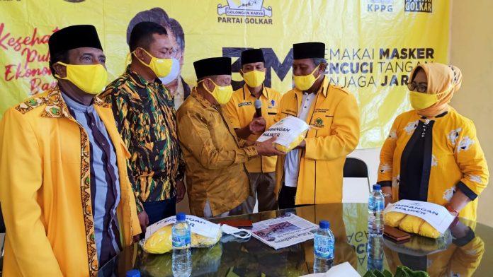 Golkar Serahkan 10 Ribu Masker Ke Cabup Sumbawa, Mahmud Abdullah Untuk Dibagikan ke Masyarakat