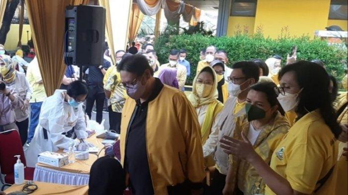 Perdana di Jabar, Yellow Klinik Golkar Beri Vaksinasi COVID-19 500 Masyarakat Kota Bandung