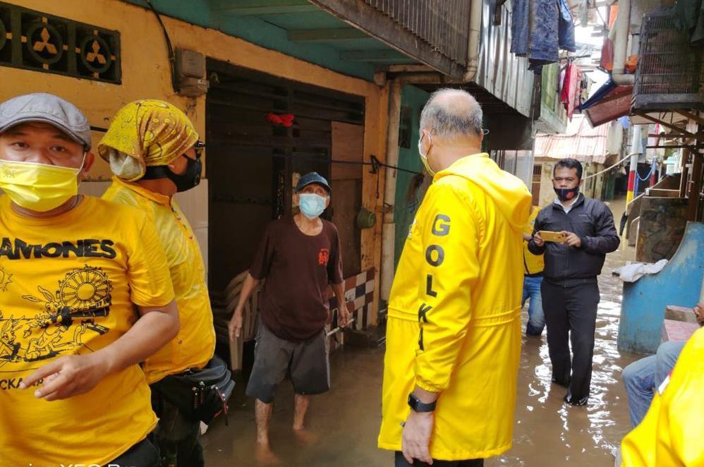 Ahmed Zaki Iskandar Pimpin Kader Golkar DKI Jakarta Baksos ke 4 Titik Banjir di Jaksel dan Jaktim