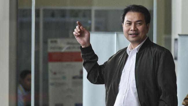 Azis Syamsuddin Bagikan 16 Ton Beras dan Telor Bagi Masyarakat Terdampak COVID-19