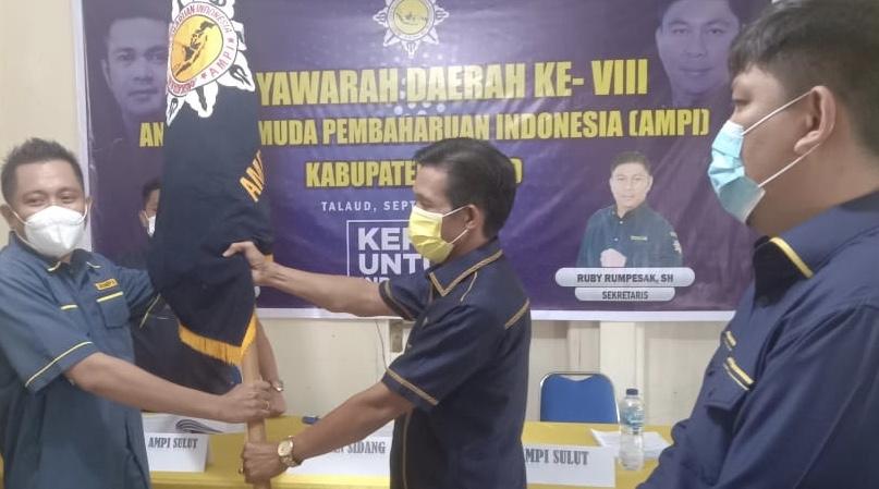 Pimpin AMPI Kabupaten Talaud, Yopi Saraung Siap Besarkan Golkar di Bumi Porodisa