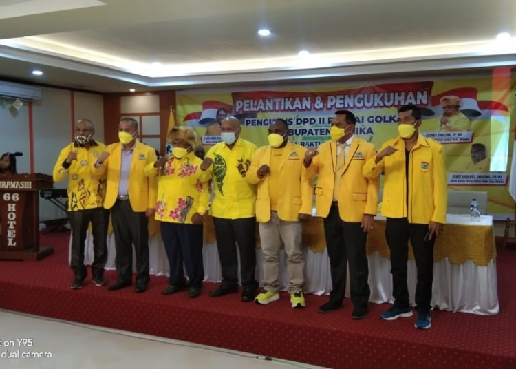 Pengurus Baru Golkar Kabupaten Mimika Dilantik, Eltinus Omaleng Janjikan 14 Kursi DPRD