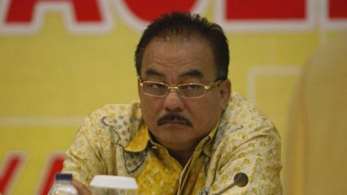 Bikin Kisruh Dualisme Sekda Papua, Robert Kardinal Desak Jokowi Ganti Dirjen Otda Kemendagri