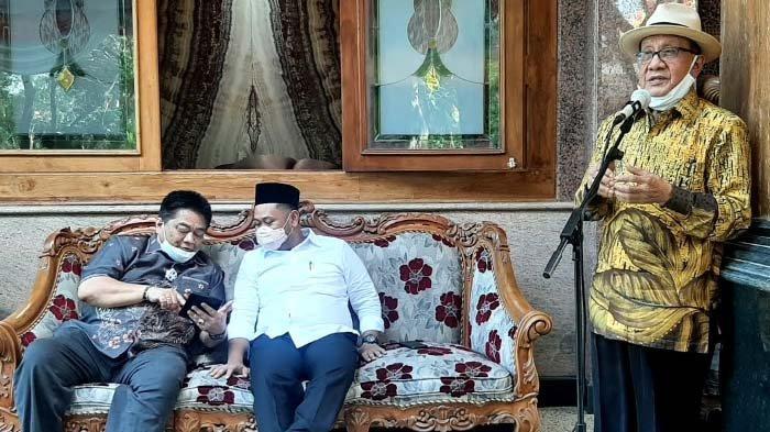 Akbar Tandjung Minta Kader Golkar Dukung Bupati Fandi Akhmad Yani Bangun Gresik Baru