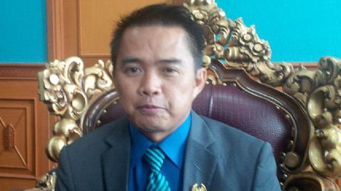 Cegah Corona, Relawan Mahyunadi Bagikan Ribuan Masker di Tiga Kecamatan di Kutim