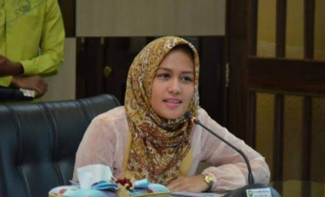 Ketua Fraksi Golkar DPRD Riau, Karmila Sari Minta Dinas-Dinas Buka Ruang Kritik di Website
