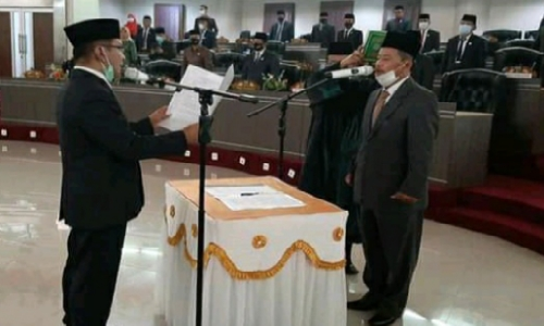 PAW Sarikal, Hamdani Hasnam Resmi Dilantik Jadi Anggota DPRD Sijunjung