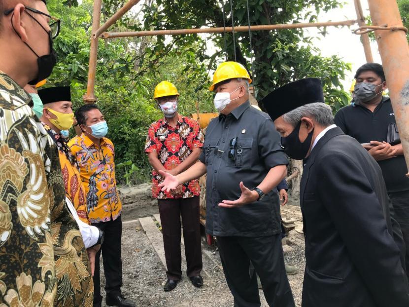 Penuhi Aspirasi Masyarakat, Alex Noerdin Bangun 16 Titik Sumur Bor di Indralaya Selatan Ogan Ilir