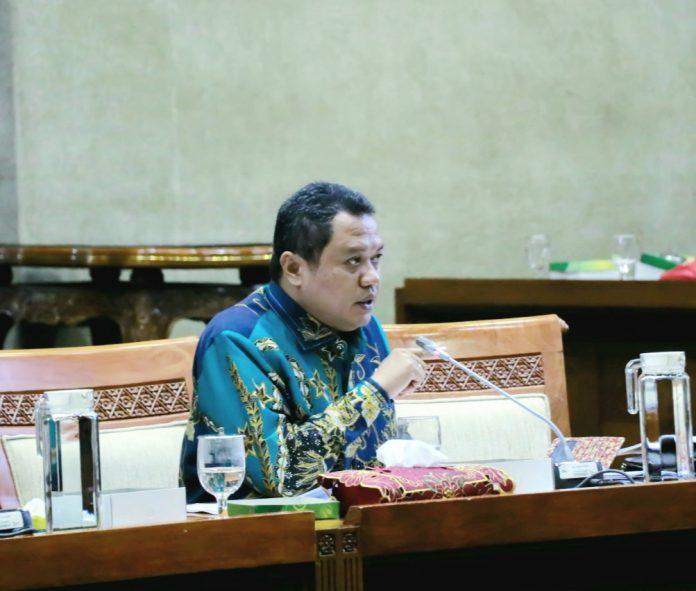 Tak Perlu Dilebur, Lamhot Sinaga Nilai Telkom Indonesia dan Telkomsel Dikuatkan Saja