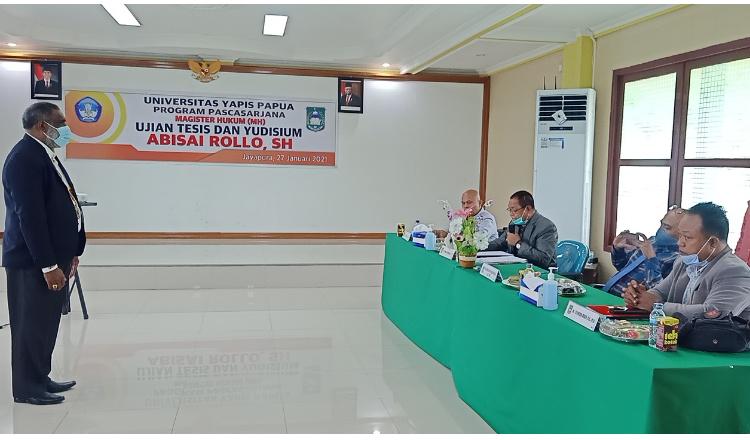 Lulus Memuaskan, Ketua Golkar Kota Jayapura Abisai Rollo Resmi Bergelar Magister Hukum