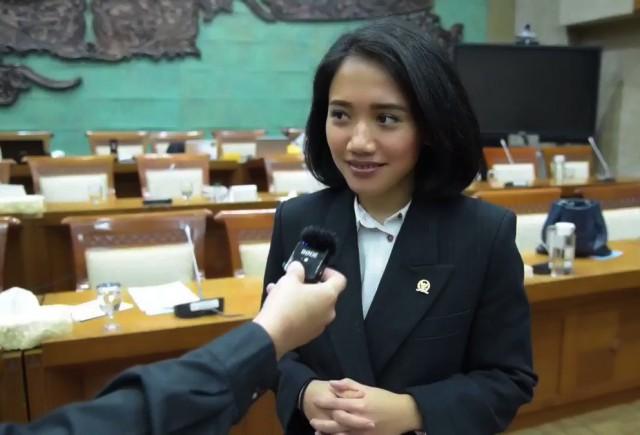 Puteri Komarudin: Kemandirian Finansial Perempuan Penting Untuk Jaga Stabilitas Negara