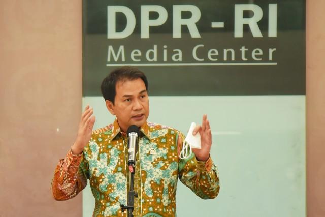 Azis Syamsuddin Ajak Seluruh Elemen Masyarakat Kawal dan Awasi Pelaksanaan Pilkada 2020