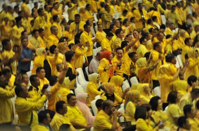 HUT Ke-56, 392 Kader Golkar Jebolan Kelas Beringin Solid Dukung Nia-Usman Di Pilbup Bandung