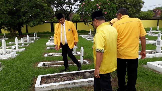 HUT Ke-55, Hendra Irwan Rahim Pimpin Golkar sumbar Ziarah ke TMP Lolong