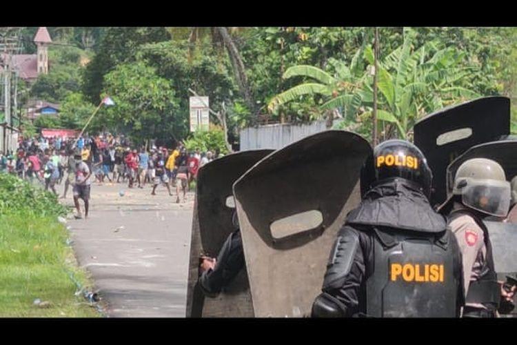 Ricuh Demo di Kota Sorong, Bamsoet Minta Turunkan Tensi dan Selesaikan Baik-Baik