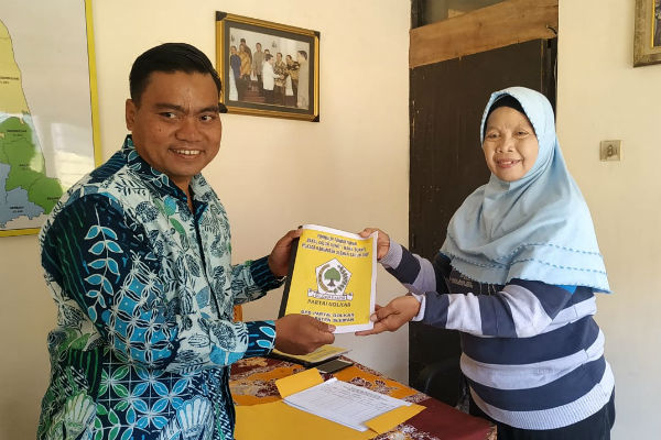 Kepala Desa Condongcatur Daftar Pilkada Sleman 2020 Lewat Golkar