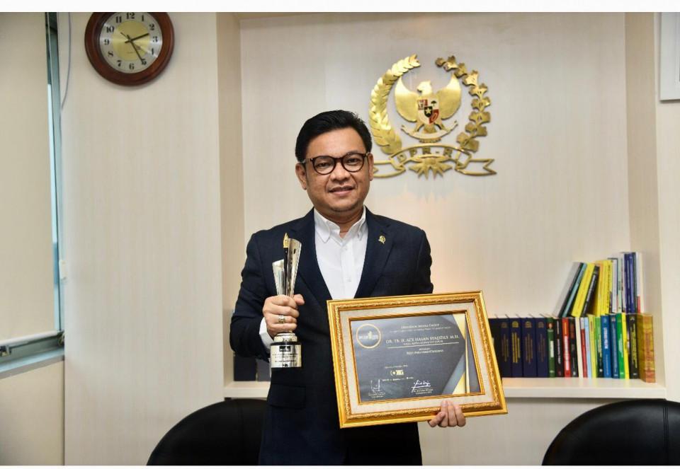 Ace Hasan Menangkan Obsession Awards 2020 Kategori Best Parliamentarians