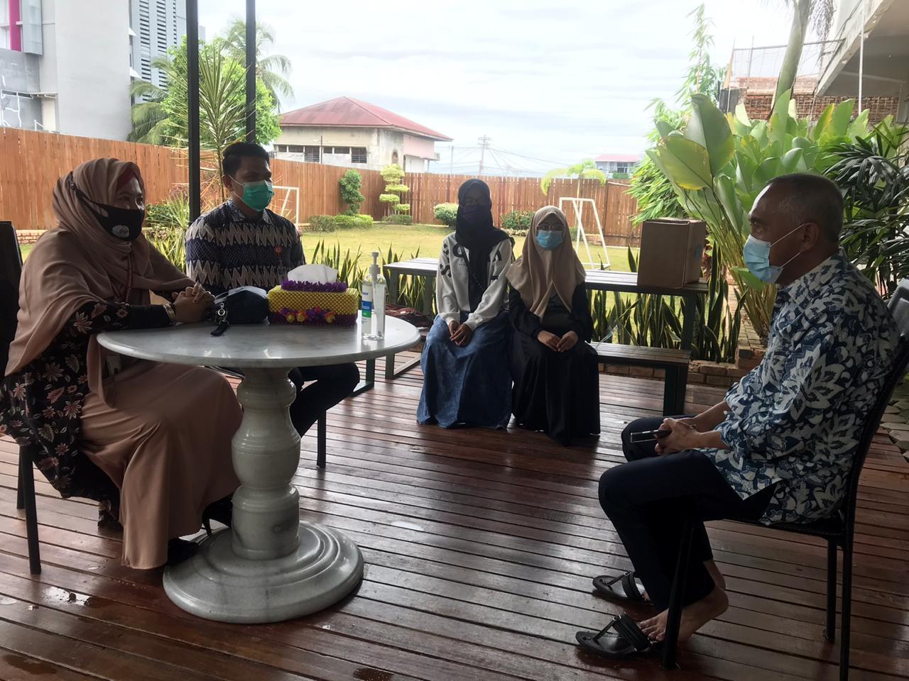 Andi Rachman Serahkan Beasiswa Rp.2,4 Juta Per Semester Bagi 104 Mahasiswa Universitas Tuanku Tambusai