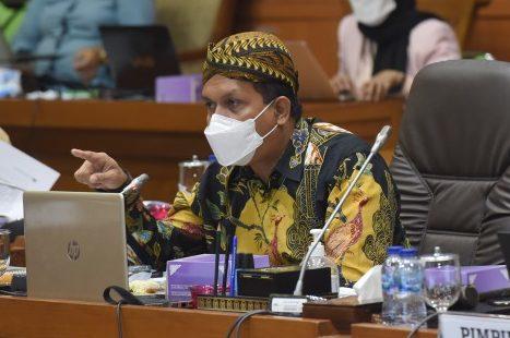 Melki Laka Lena Desak Pemerintah Berikan Vaksin Ketiga Untuk Lindungi Nakes