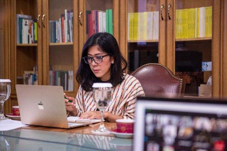 Meutya Hafid Ajak Jurnalis Prioritaskan Berita Positif Penanganan COVID-19