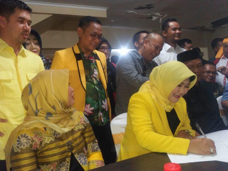 DPP Golkar Ajukan Tuti Yasin dan Dahim Arisi Jadi Wabup Bekasi Dampingi Eka Supria Atmadja