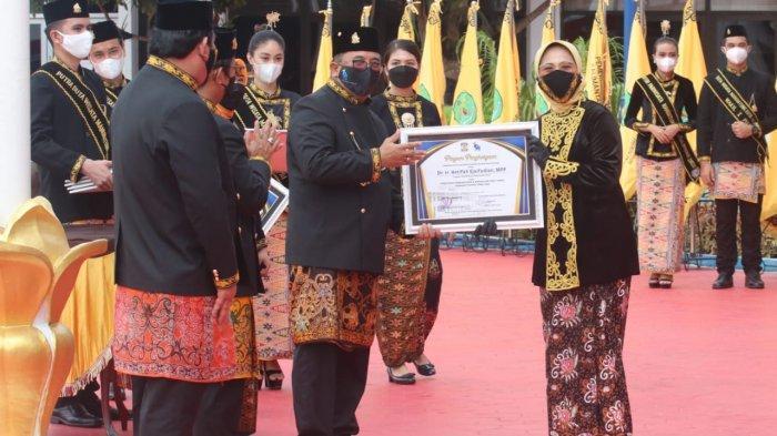 HUT Ke-124 Kota Balikpapan, Hetifah Terima Penghargaan Penggerak Pembangunan dan Kepedulian Tinggi Terhadap Dapil