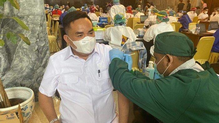 Tak Terasa Saat Disuntik, Salim Fakhry Yakin Vaksin Sinovac Terbaik Untuk Kekebalan Tubuh Masyarakat