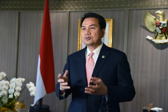 Kecam Pelecehan Lagu Indonesia Raya, Azis Syamsuddin Desak Negara Ambil Langkah Tegas