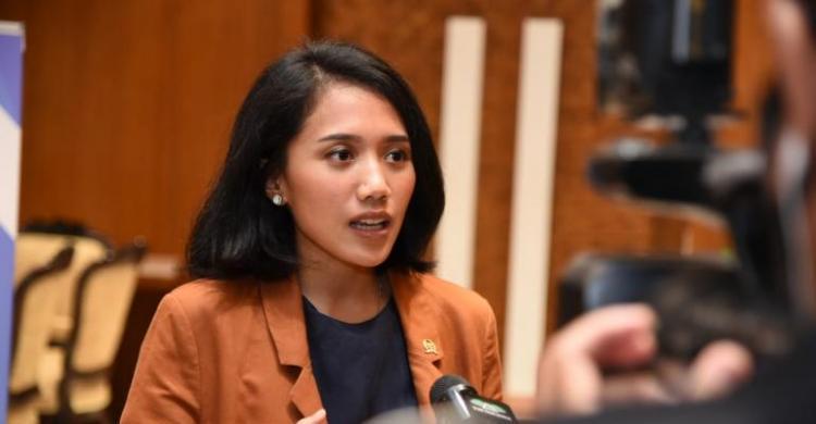 Cegah Kartel, Puteri Komarudin Janji Awasi Ketat Penyediaan Alat Kesehatan COVID-19