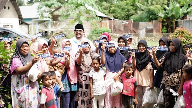 Erick Hariyona Bagikan 10.000 Paket Sembako Untuk Masyarakat Pasaman Barat Terdampak COVID-19