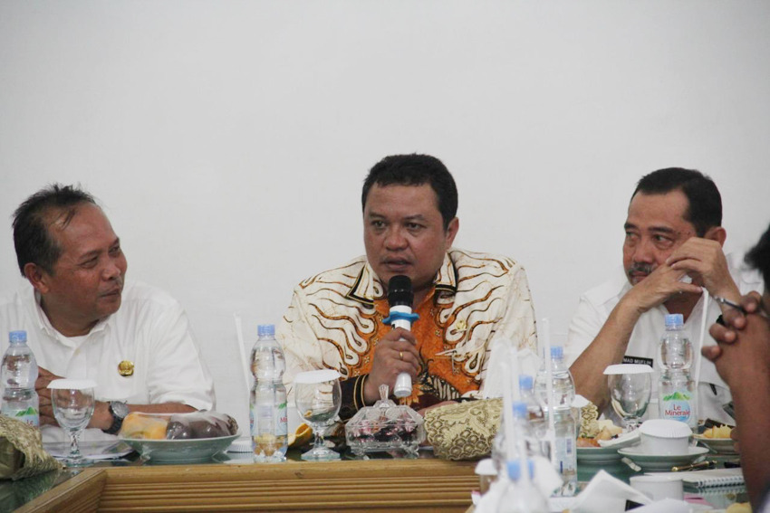 Hanya 15 Yang Sehat, Lamhot Sinaga Dukung Menteri Erick Thohir Suntik Mati BUMN Yang Jadi Beban