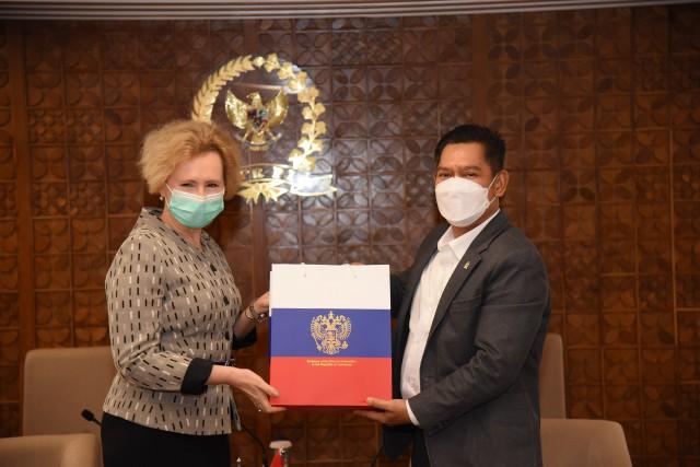 Adies Kadir Apresiasi Pemerintah Rusia Gratiskan e-Visa Untuk Warga Indonesia ke Rusia