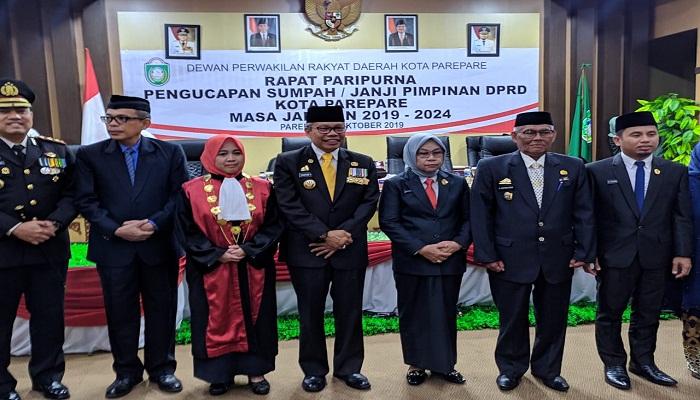Legislator Perempuan Golkar Ini Resmi Jabat Ketua DPRD Parepare